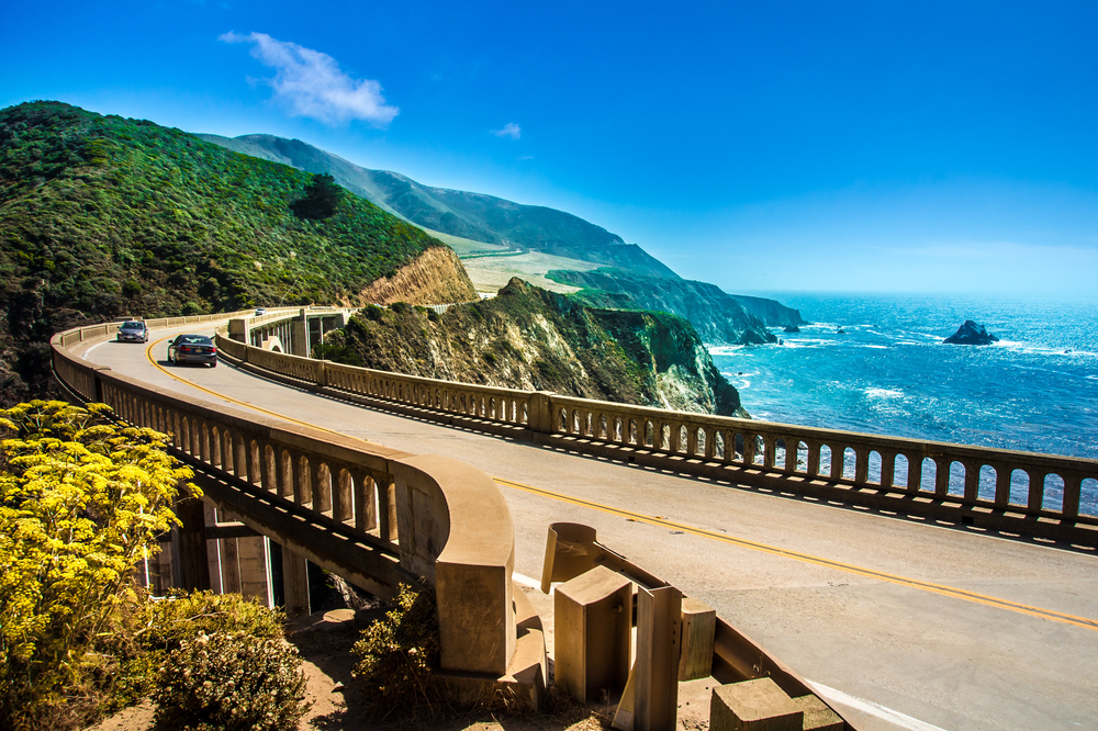 bixby-creek-bridge-on-highway-1-at-the-us-west-coast-traveling-south-to-los-angeles-big-sur-area